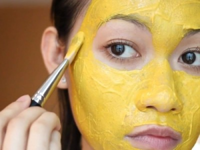 How to use turmeric to whiten skin
