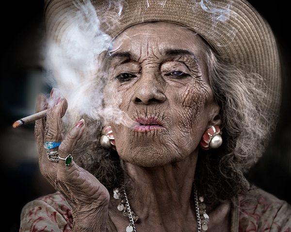 Smoking Causes Sagging Neck Skin