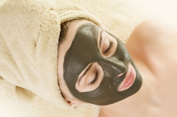 Clay Mask to Reduce Pimple Swelling and redness.